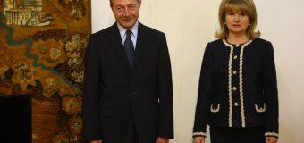 Soția lui Traian Băsescu va deține, în continuare, cetățenia RM. Cum e posibil?