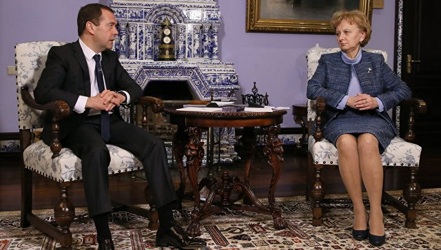 Greceanîi și Medvedev, în calitate de lideri de partide, vor semna un acord de colaborare