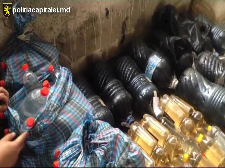 Băuturi alcoolice contrafăcute, depistate în mai multe magazine din capitală