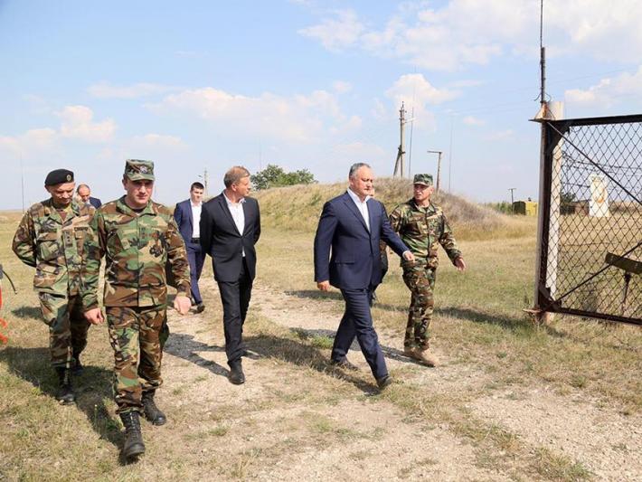 Președintele Dodon: Ministerul Apărării trebuie reformat și trebuie de revenit la garantarea pachetului social pentru militari