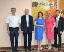 Ce a discutat ministrul Educației cu Ambasadorul SUA