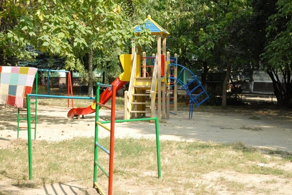În curând, în mun. Chișinău vor fi amenajate 11 locuri noi de joacă pentru copii, dar şi un teren de fitness