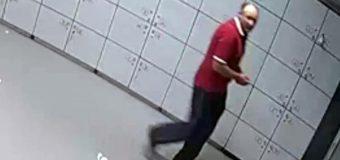 """A furat un """"Samsung Galaxy J5"""", dintr-un dulap, de la intrarea unui market din centrul Capitalei! Mai multe detalii…"""