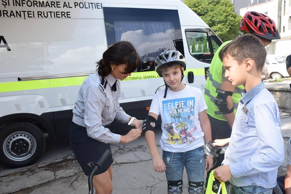 Siguranța rutieră – prioritate pentru INP! (foto)