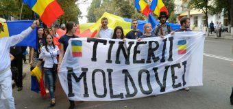 Tinerii Moldovei deschide aplicările pentru un amplu program de voluntariat dedicat elevilor și studenților de pe întreg teritoriul RM