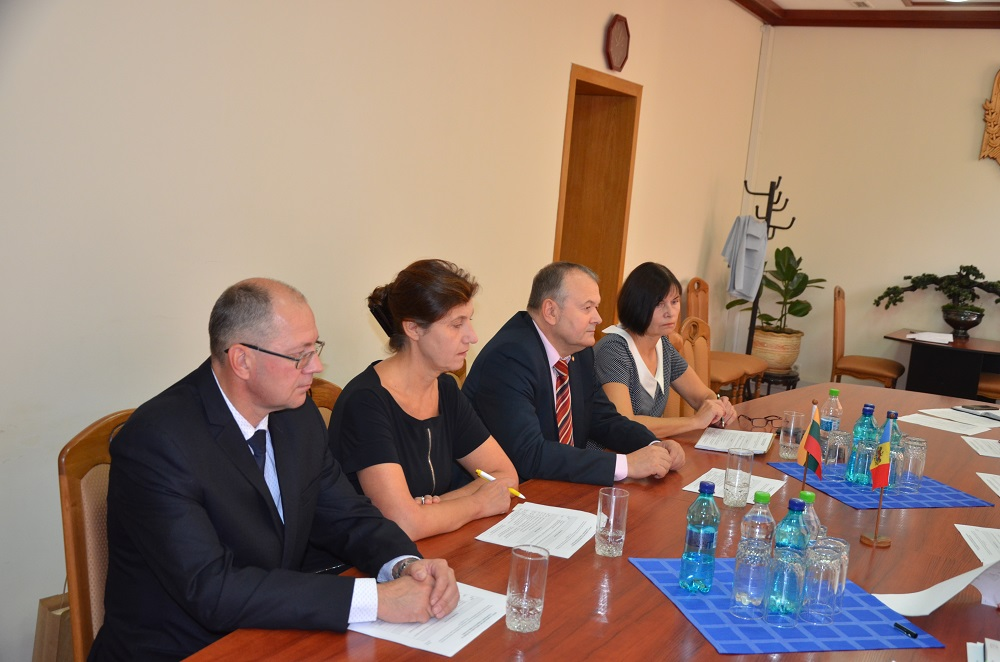 Experți lituanieni în vizită la Serviciul Vamal al Republicii Moldova(foto)