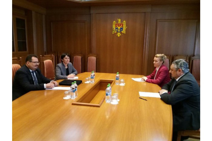 Ministrul de Externe Andrei Galbur l-a primit pe Ambasadorul UE în R. Moldova