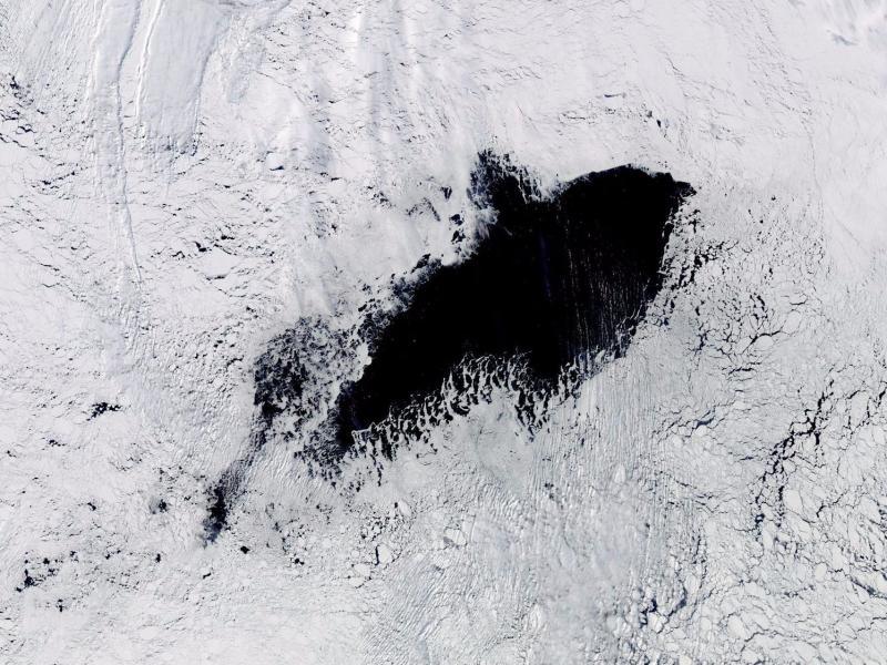 Gaura gigantică din Antarctica se extinde pe zi ce trece. Oamenii de știință nu au încă o explicație