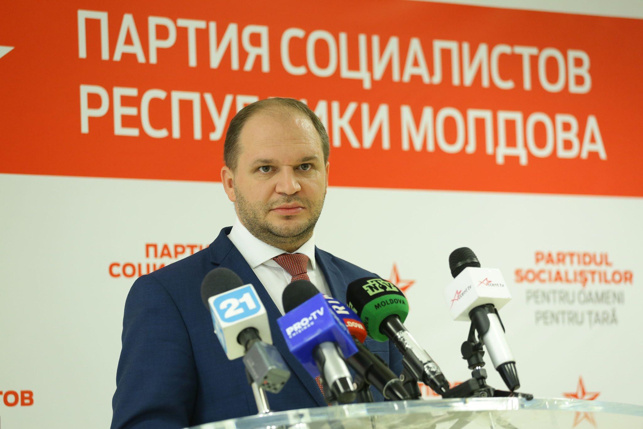 """Ceban către electoratul de dreapta: Ați vrut atîția ani alegeri anticipate. Putem începe cu Chișinăul. Sau """"la război înapoi""""?…"""""""