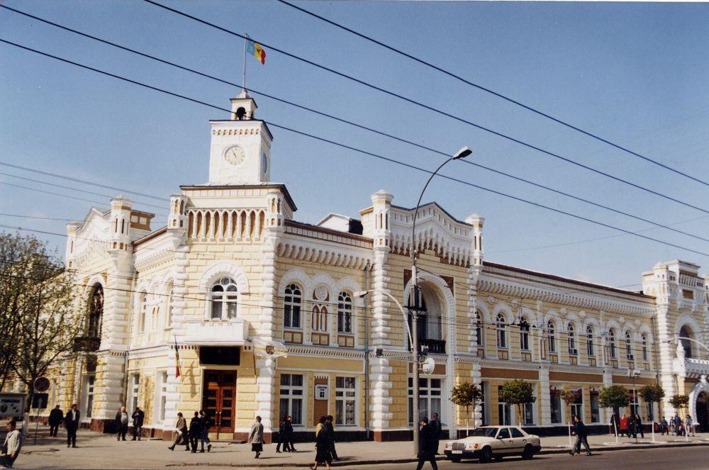 Ce înseamnă 21 de candidați la șefia Chișinău? Un analist evidențiază!