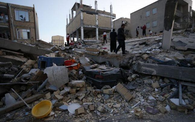 Cel puţin 207 morţi în urma unui cutremur la graniţa dintre Iran şi Irak (foto)