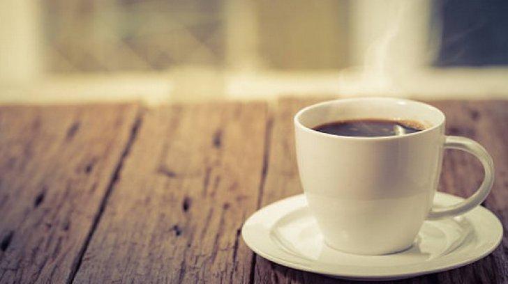 Ce se întâmplă cu persoanele care beau zilnic CAFEA