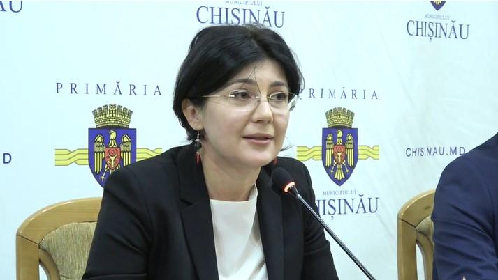 Silvia Radu: Am fost pusă în situaţia să administrez o situație de criză