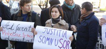 """PAS, la Judecătoria Buiucani: """"Am venit să le oferim ajutor de traducere…"""""""