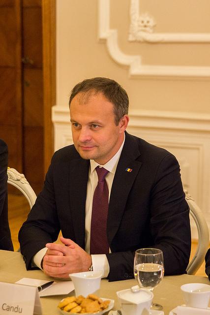 Președintele Parlamentului, la discuții cu Ambasadorul SUA în RM