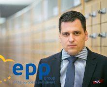 """""""Cred ar trebui să-și cunoască membrii familiei"""": Reproșul unui eurodeputat în adresa lui Igor Grosu"""