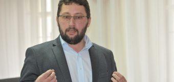 Scriitorul Igor Volnițchi a revenit în raionul de baștină. Cum l-au surprins cititorii săi (galerie foto)