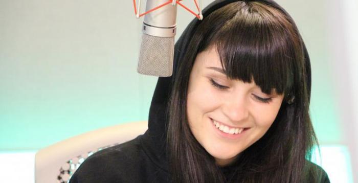 Hagi s-a dus la cântăreaţa Irina Rimes să o felicite. Artista nu l-a recunoscut