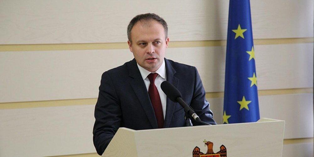 PSRM a cerut lui Andrian Candu să-și prezinte demisia de onoare, după ce a mers în Parlamentul României