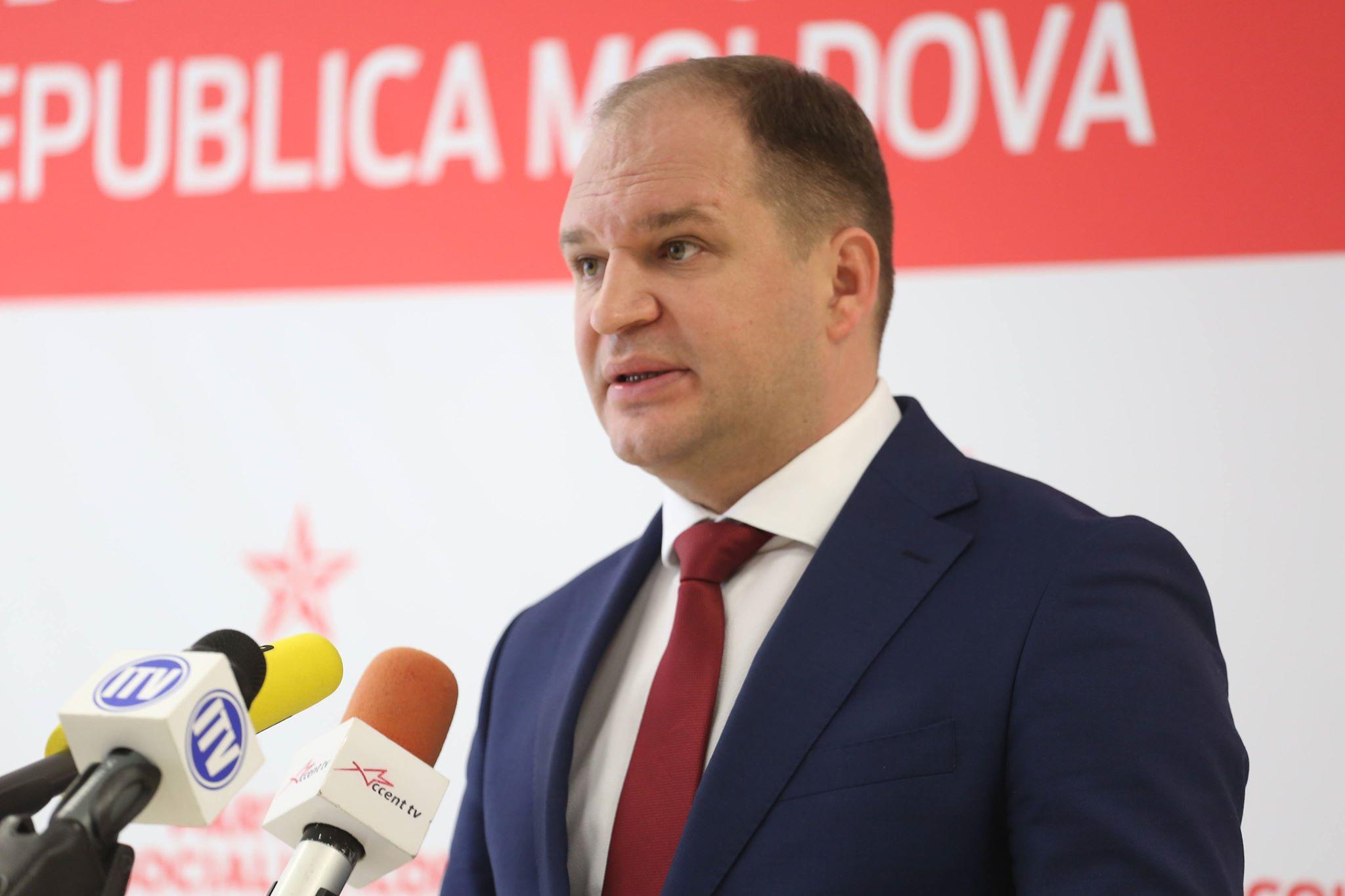 Ion Ceban: Doamna Radu, spuneți mulțumesc consilierilor, cetățenilor și agenților economici din Capitală, pe baza cărora vă faceți PR