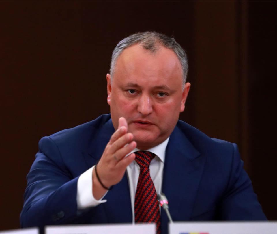 Președintele RM: Pro-europenii ne acuza pe noi de relația de prietenie cu Rusia, dar ei invită comisarii europeni la modul direct să le facă guvernul după alegeri