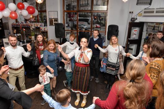 Diaspora Republicii Moldova din Londra a sărbătorit Mărțișorul (foto)