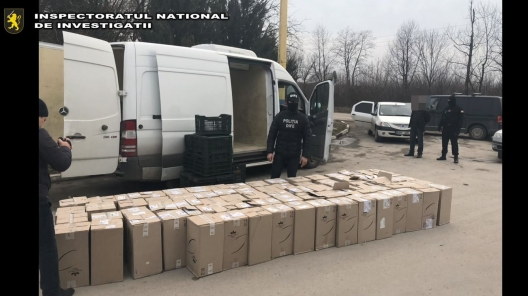 Șase persoane din Republica Moldova, reținute pentru contrabandă cu țigări