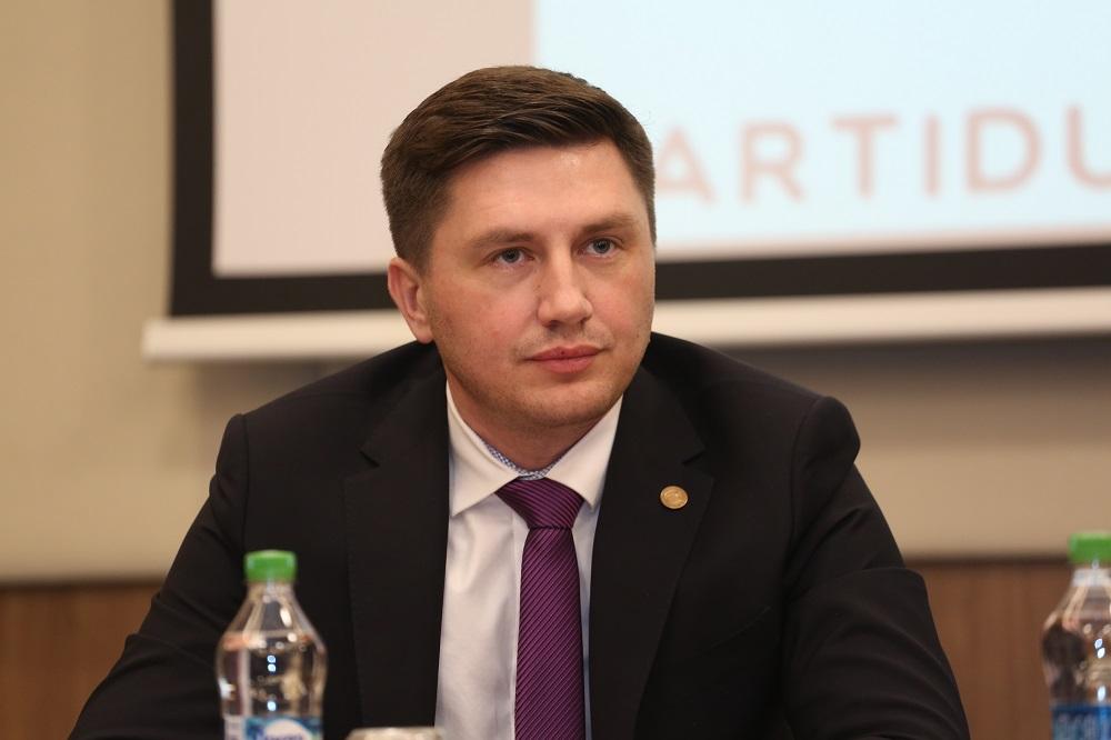 Un deputat din Parlamentul României candidează la conducerea Primăriei mun. Chișinău