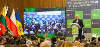 """Pavel Filip, la Forumul de securitate de la Kiev: """"Prezenţa militară străină constituie un obstacol serios"""""""