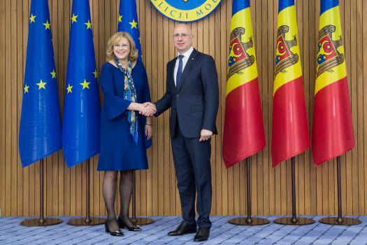 Corina Crețu: Am discutat cu Pavel Filip decalajul de dezvoltare între Chișinău și celelalte regiuni ale țării