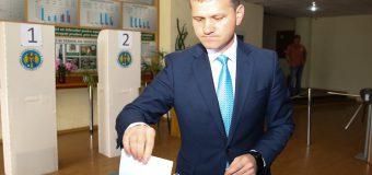 Valeriu Munteanu, la secția de vot: Am votat pentru un Chișinău european