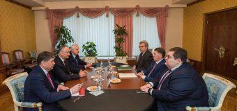 """Dodon, la întrevedere cu un oficial rus: """"Relațiile cu Federația Rusă sînt prioritare în agenda politicii externe a Președintelui RM"""""""