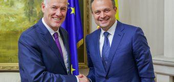 Ambasadorul Scanlan își încheie mandatul în Moldova. Ce i-a spus lui Candu în cadrul ultimei întrevederi