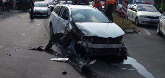 Conducea în stare de ebrietate pe o stradă din Chișinău. Șoferul a tamponat o altă mașină