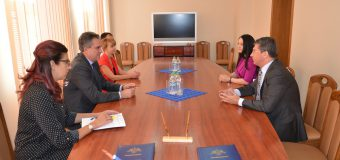 Un Acord și un Memorandum – semnate de conducătorii Serviciului Vamal și Oficiului Național al Viei și Vinului. Ce prevăd