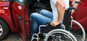 Companiile de taxi vor fi obligate să aibă în dotare automobile pentru persoanele cu nevoi speciale