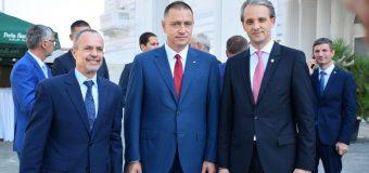 Ministrul Apărării, la întrevedere cu omologul său român. Ce subiecte au discutat