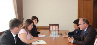Viceprim-ministrul Lesnic a avut o întrevedere cu Ambasadorul României în Republica Moldova