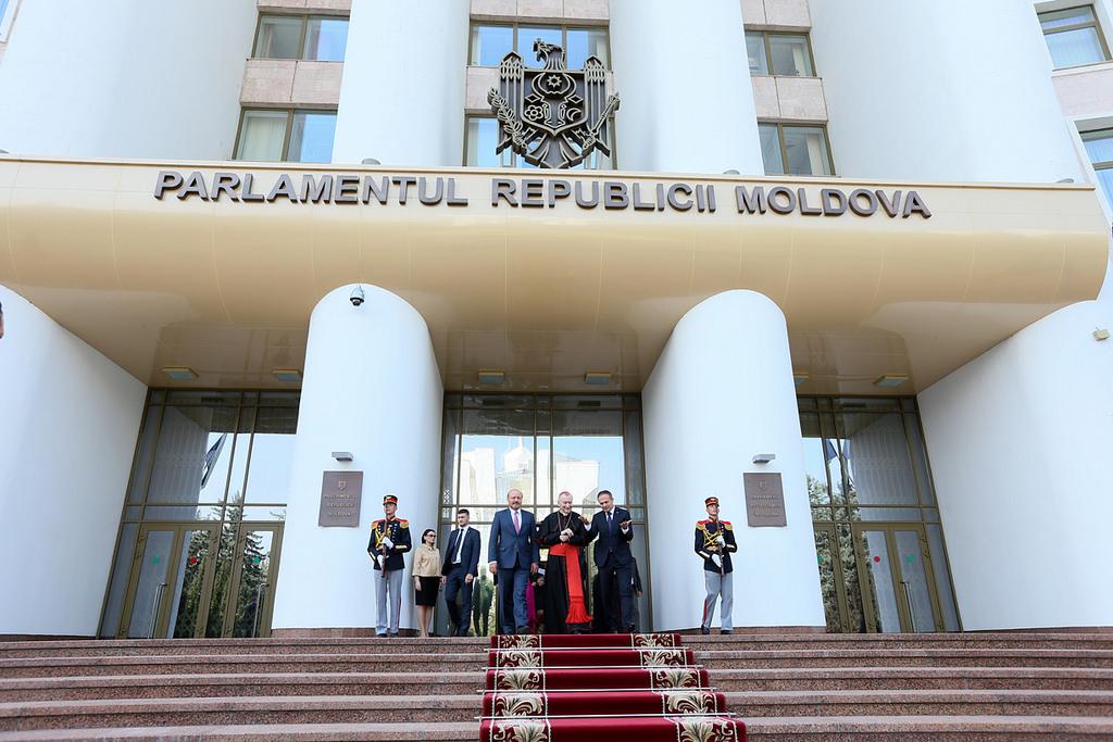 Secretarul de Stat al Sfântului Scaun, Cardinalul Pietro Parolin a vizitat Parlamentul RM