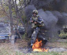 """""""Bereta Neagră"""" – test pentru 44 de angajaţi ai Brigăzii """"Fulger"""" (FOTO)"""