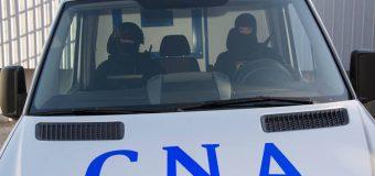 Percheziții la Primărie: 25 de persoane au fost escortate la CNA