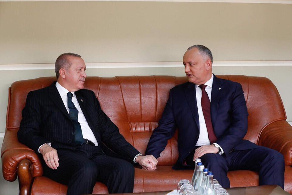Dodon a avut o discuție la telefon cu Erdoğan