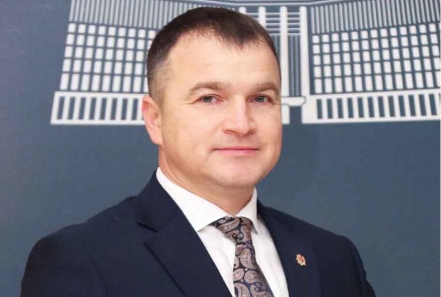 """(INTERVIU) Simion Grişciuc: E mai bine să contribui la dezvoltarea ţării din postura de """"frate mai mic"""", decât să nu contribui deloc"""
