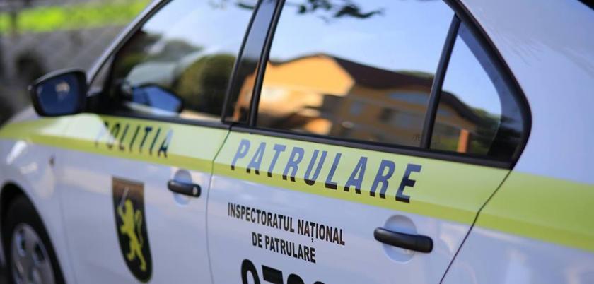 Trei polițiști de patrulare ar fi cerut 1 000 euro mită. Unul din ei – anunţat în căutare, după ce a părăsit teritoriul ţării