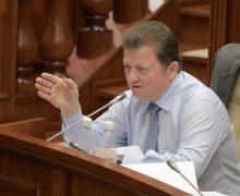 Vladimir Țurcan a spus ce se va întâmpla cu Acordul de Asociere, dacă socialiștii vor deține majoritatea, după alegeri