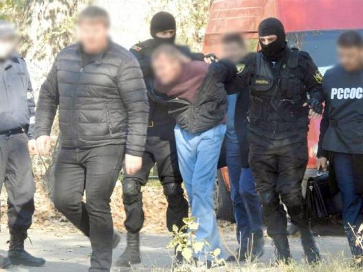 Grup criminal care comercializa droguri în proporții deosebit de mari pe teritoriul R. Moldova – reținut