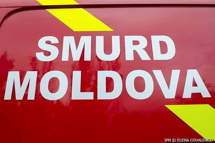 Intervenția transfrontalieră SMURD. O femeie tranportată în R. Moldova din România.