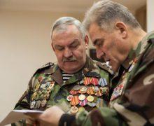 Veteranii războiului din Afganistan vor fi decorați cu distincția Crucea comemorativă