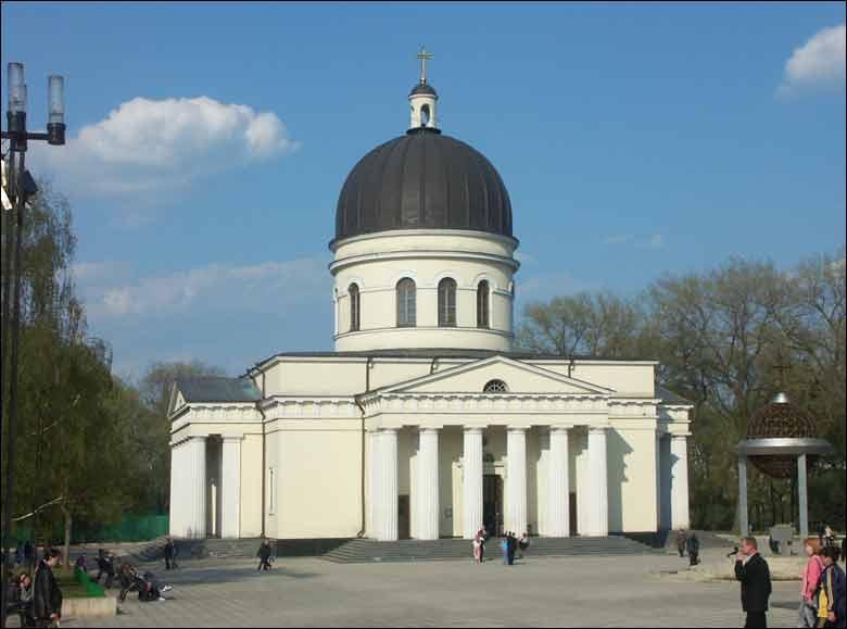 A fost reținut infractorul care a jefuit Catedrala din Chișinău