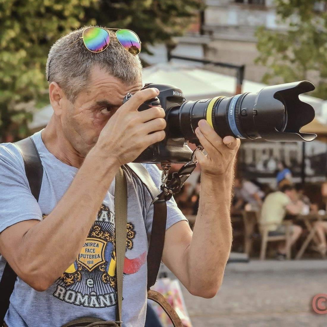 Un fotojurnalist – candidat la alegerile parlamentare, provoacă liderii politici: Să procedeze cum am făcut eu